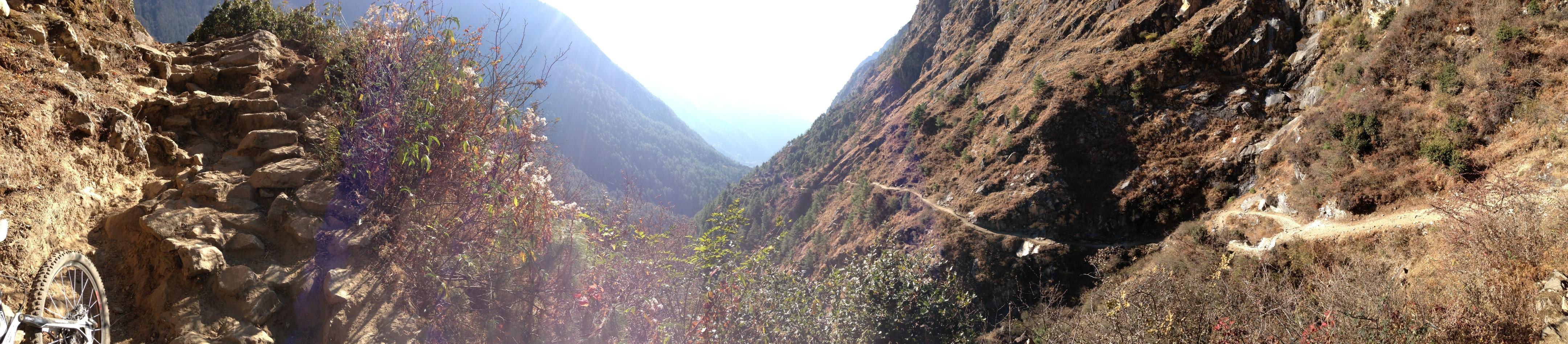 Abfahrt aus dem Tsum Valley