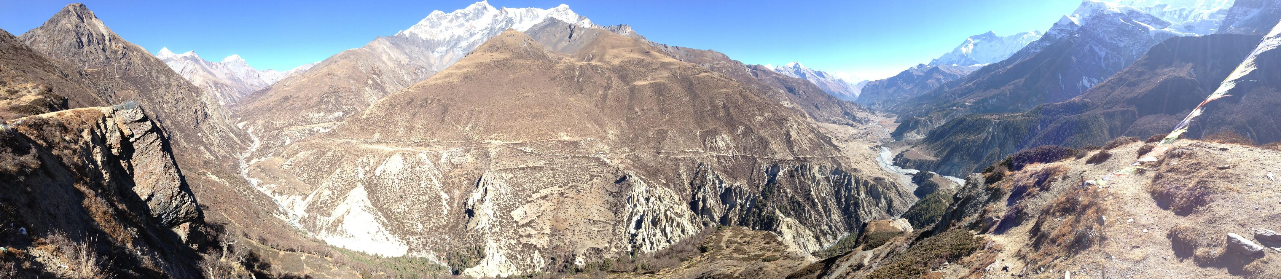 Aussicht von einer Krete oberhalb Manang (ca. 4200 m)