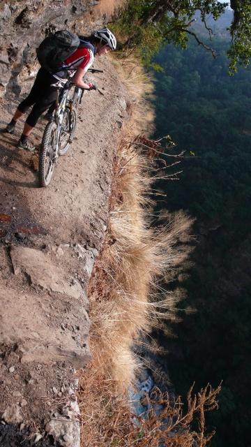 Hier gehts so um die 300 m senkrecht runter...