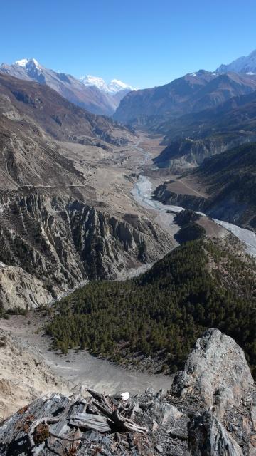 Blick von 4200 m das Tal hinunter